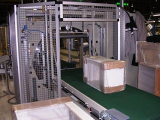 Masina de ambalat cu legare panouri - Made in Germany