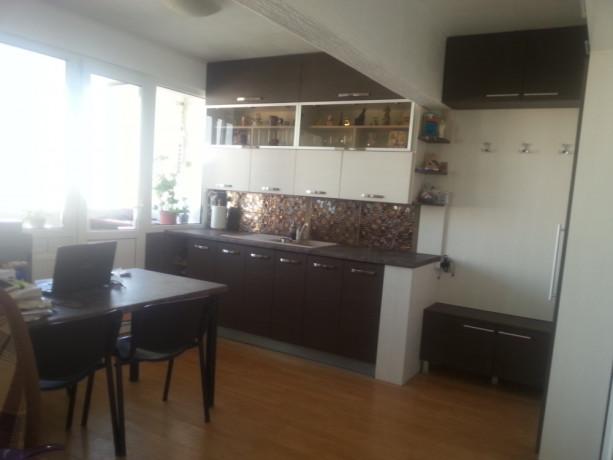 proprietar-vand-apartament-mobilat-2-camere-big-0