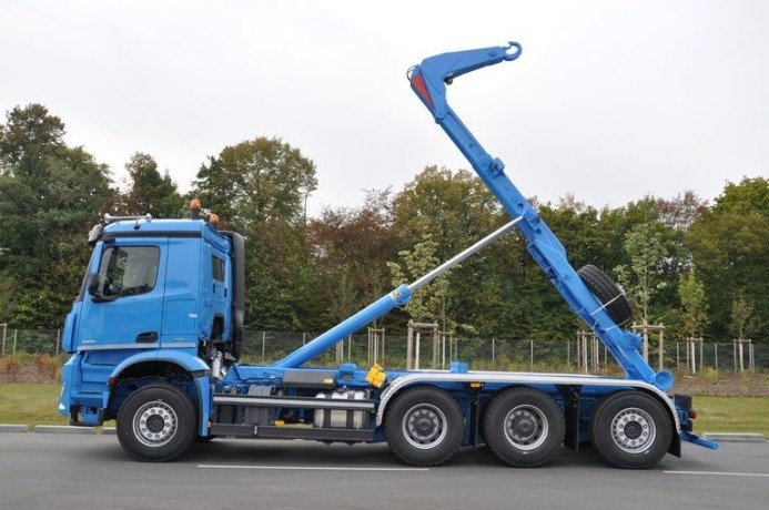 inchiriez-camion-abroll-kipper-si-containere-big-3