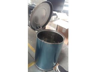 Cos de gunoi din inox cu pedala